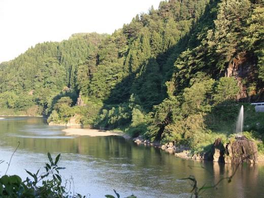 阿武隈川と噴水